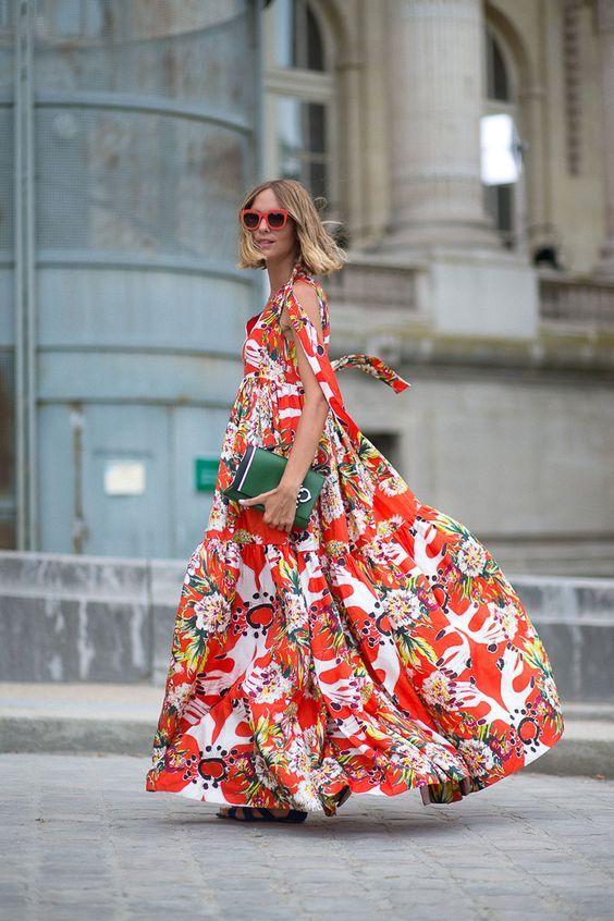 Quels looks avec une robe fleurie cristina cordula for Quoi porter sur une robe maxi pour un mariage