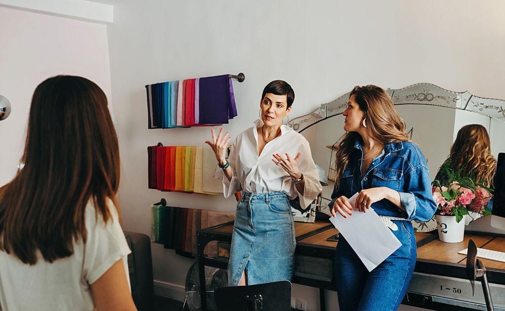 Cristina Cordula Agence de conseil en image & style - relooking femme Paris - formations